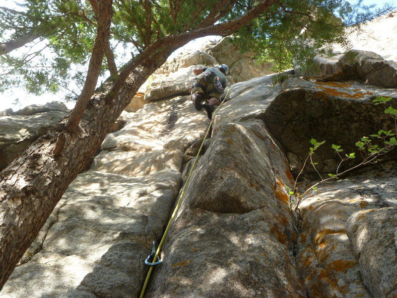 Rock Climbing Photo: At the bolts above the crack.