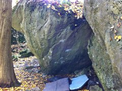 Rock Climbing Photo: Nice looking boulder minus the top