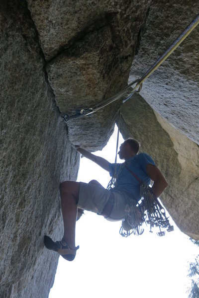 Rock Climbing Photo: Starting up p2