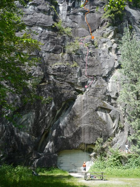 Rock Climbing Photo: Tunnel Vision shown in pink.  Angora Grotto in ora...