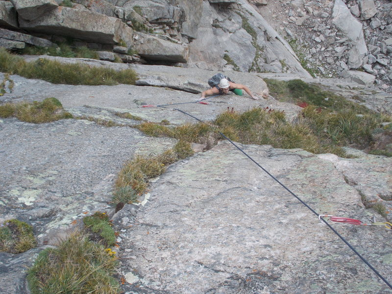 Rock Climbing Photo: Looking down P5, Rainbow Highway, 10a.