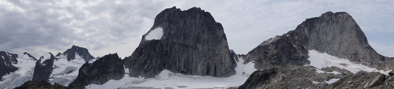 Rock Climbing Photo: Houndstooth, Snowpatch, Bugaboo.  From Applebee ca...