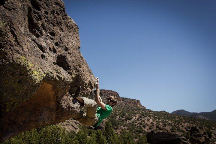 Rock Climbing Photo: Crux finish on Shinjo V3/4