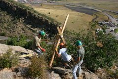 Rock Climbing Photo: Setting up the tripod.