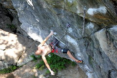 Rock Climbing Photo: Andy on the knee bar rest, with the linkup travers...