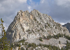 Rock Climbing Photo: SW to NW + W face of Crystal Crag - three summits