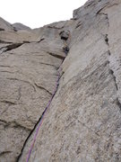 Rock Climbing Photo: Pitch 2 with the chockstone above.