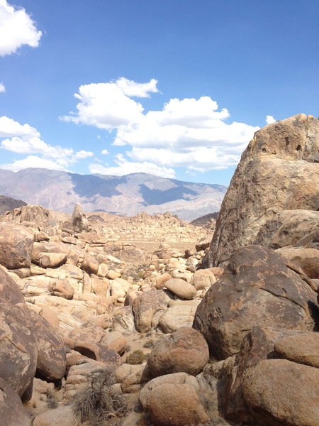 Rock Climbing Photo: Approaching from the west.... unknown pillar in vi...