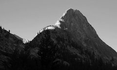 Rock Climbing Photo: North Ridge of Whaleback beckons in its early morn...