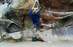 Rock Climbing Photo: Blouder problem on Trash Can Rocks in Joshua Tree....