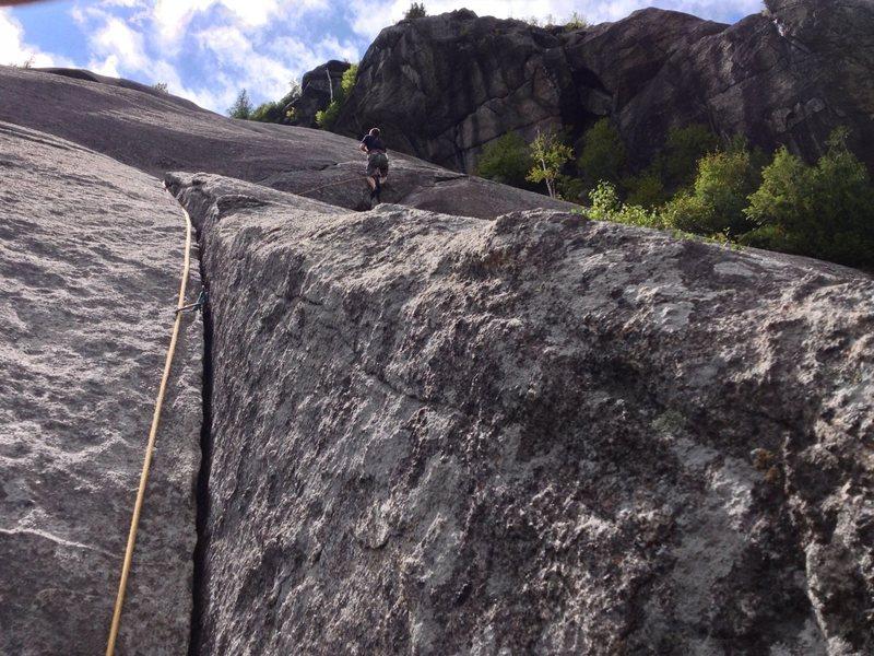 Rock Climbing Photo: Climbing the crux corner towards Bobs knob