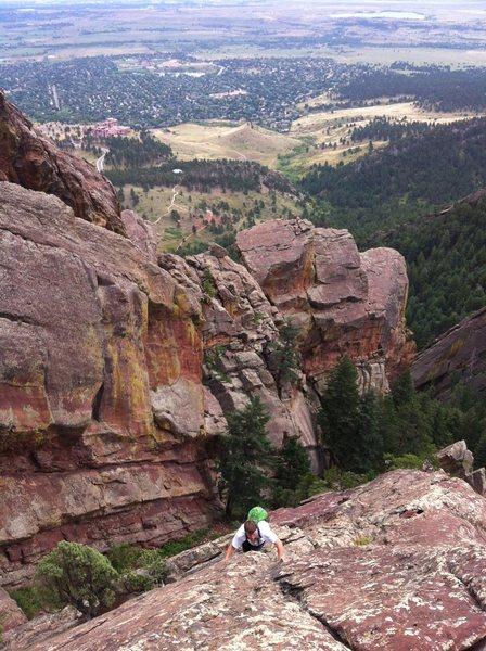 Rock Climbing Photo: Scrambling high over Boulder on Angel's Way, Skunk...