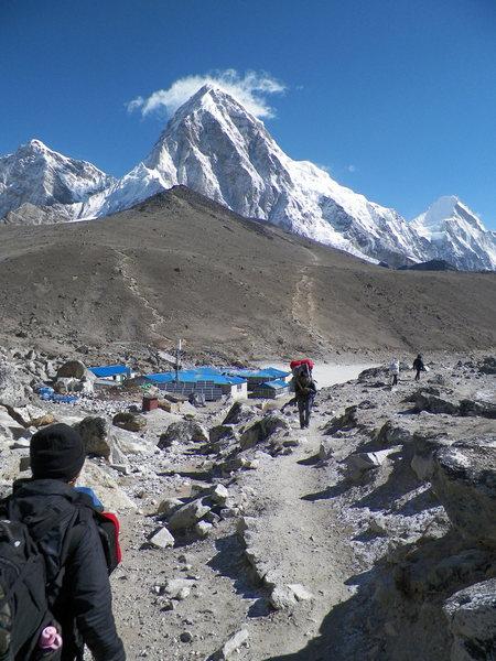 Pumori, Kalla Pattah, and Gorak Shep in the foreground