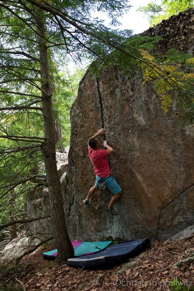 Rock Climbing Photo: Locking it up on 'Granny's Grunt' (v3)- Cliff Boul...