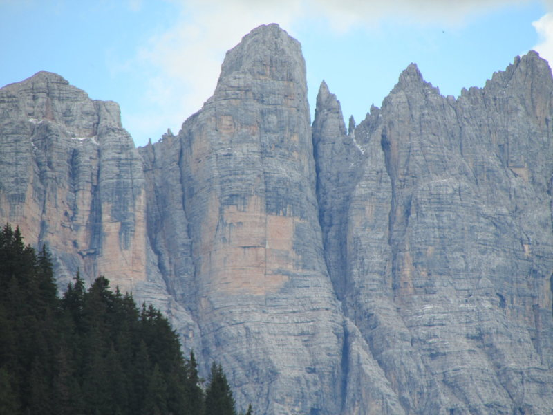 Torre di Valgrande. The famous dihedral is easily visible!