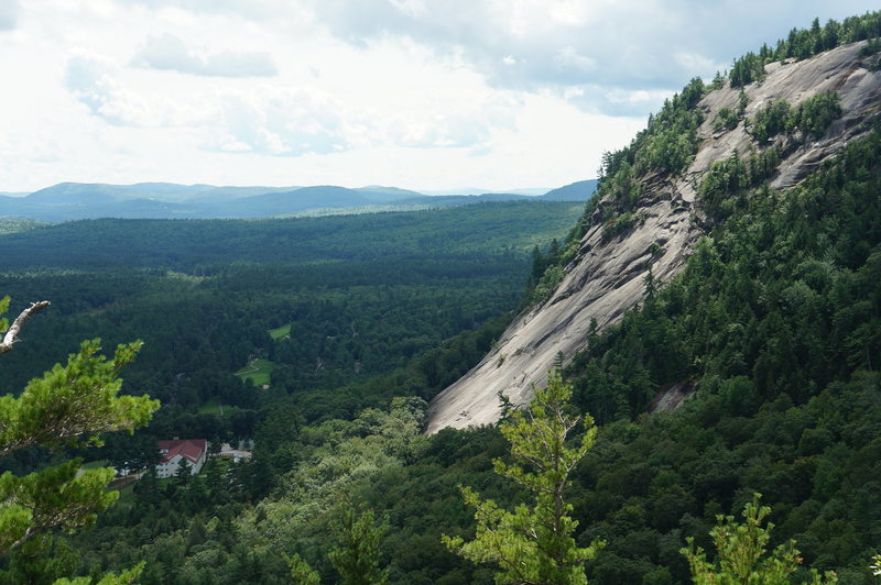 Rock Climbing Photo: White Horse Ledge as seen from Cathedral Ledge