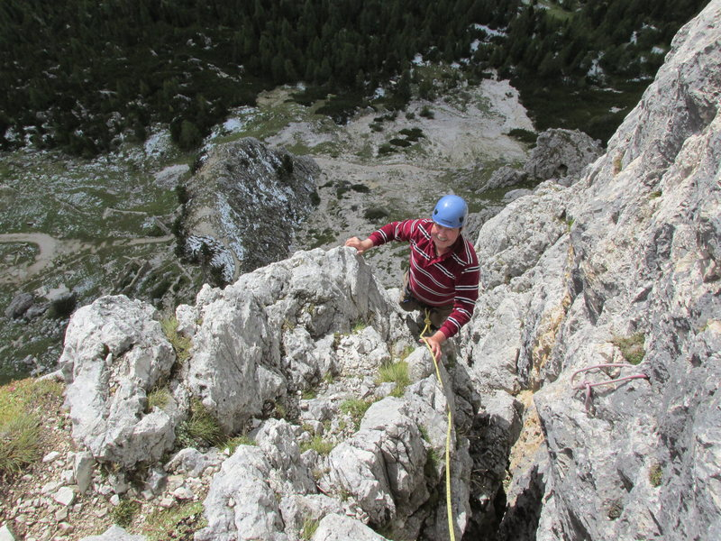 Rock Climbing Photo: Chimney/dihedral on pitch 4. Pretty easy but inter...