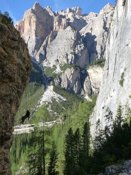 Rock Climbing Photo: Rapping.