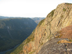 Rock Climbing Photo: The last pitch is a traverse on the big  flake at ...