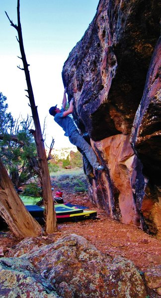 Rock Climbing Photo: Arien working the pockets on Wiccawhirl.