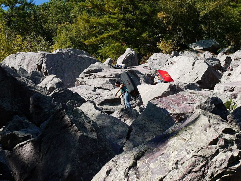 Rock Climbing Photo: The cheese boulder.  150 yards below and slightly ...
