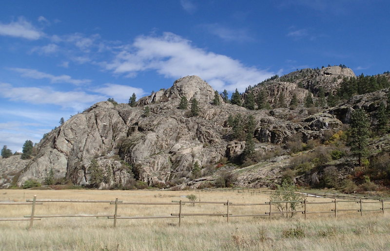 Rock Climbing Photo: Lower and upper cliffs from the parking lot.