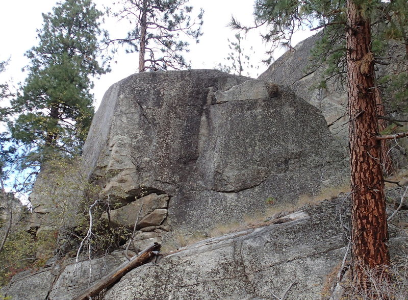 Rock Climbing Photo: The Philosopher's Stone (SW face from the trail)