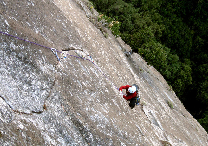 Rock Climbing Photo: The beautiful finger crack on pitch 4.
