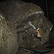 Rock Climbing Photo: Starting the ledgy hand over hand up to a solid ro...