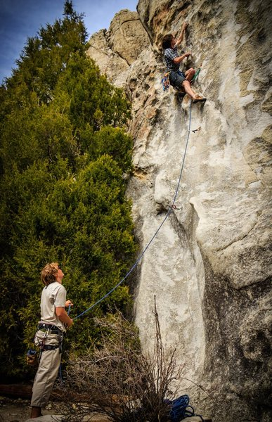 Rock Climbing Photo: Already past the reachy crux at the bottom of Too ...