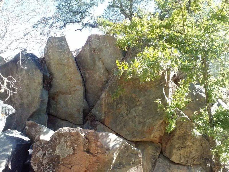 Rock Climbing Photo: L-R APE v0 Lieback, Rocky Raccoon V-1/2