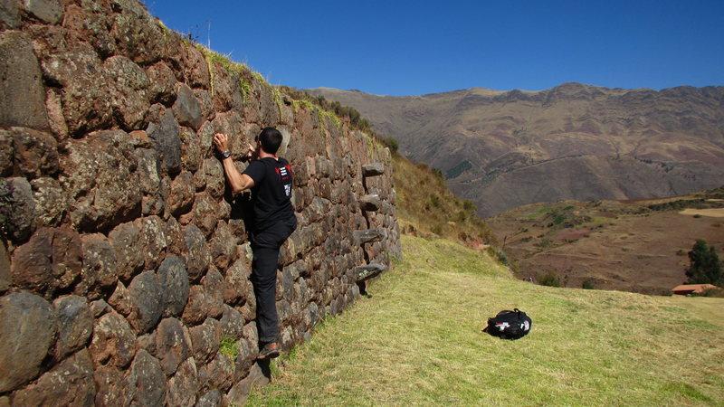 Bouldering near manchu Picchu