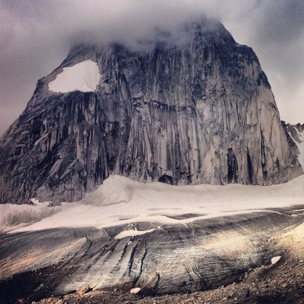Rock Climbing Photo: Shifting shadows on Snowpatch Spire and the Cresce...