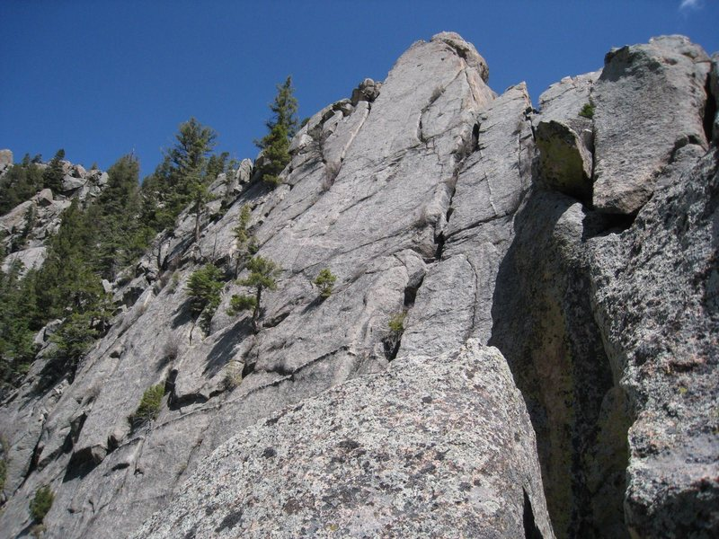 The Questa Flatiron viewed from near the top of the Bear Mountain Picnic Massacre route.