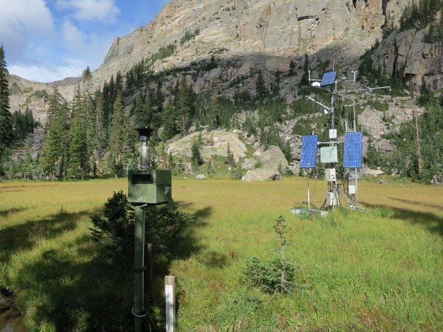 Rock Climbing Photo: Observation station on Andrews Glacier Trail.