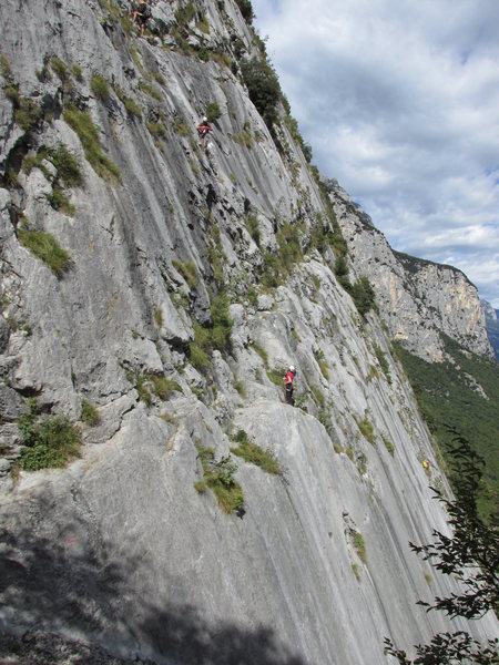Climbers on Placche Zebrate slabs.