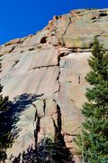 Rock Climbing Photo: A 3-pitch route goes up the middle of the face. A ...