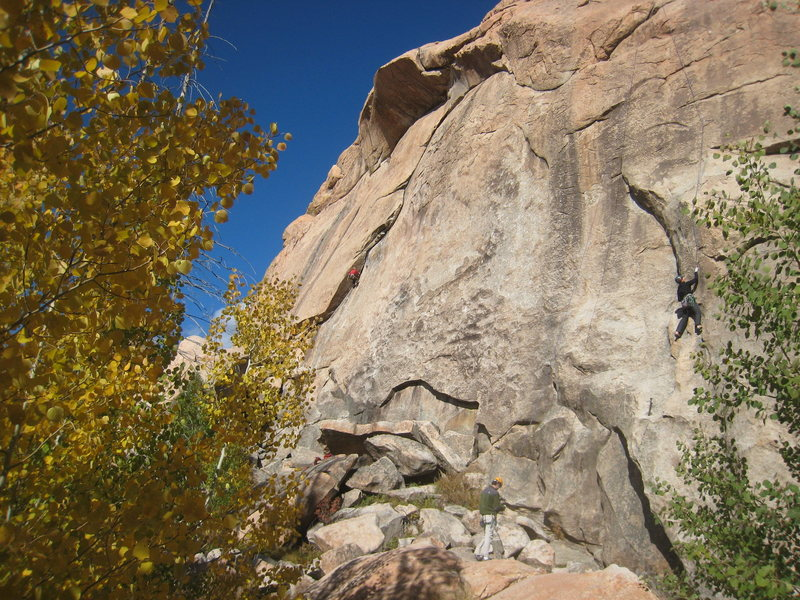 Climbers on Undertow (L) and Slippery Nipple (R) on a beautiful Autumn day.