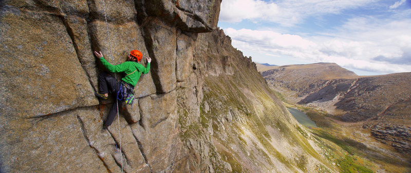 Rock Climbing Photo: Working the kneebars while mini-traxioning the 6th...