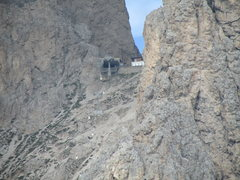 Rock Climbing Photo: Upper terminus of the cable tram between the Langk...