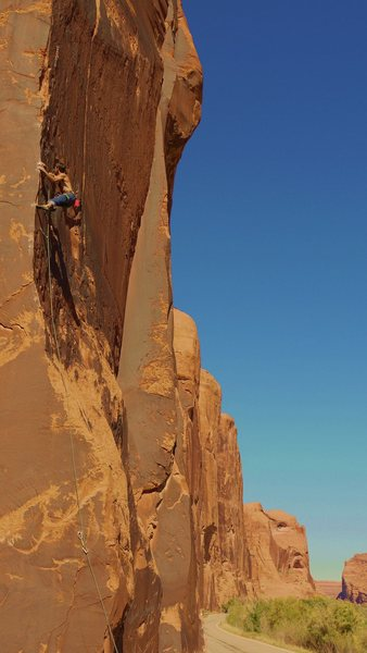 Rock Climbing Photo: The crux of Desp-Arete.  Jake sending.