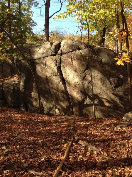 Rock Climbing Photo: Oliphant Boulder. Contains Legolas Attacks (V4), O...