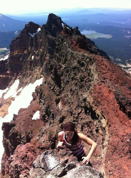 Rock Climbing Photo: Elissa on the 4th class summit pitch of broken top