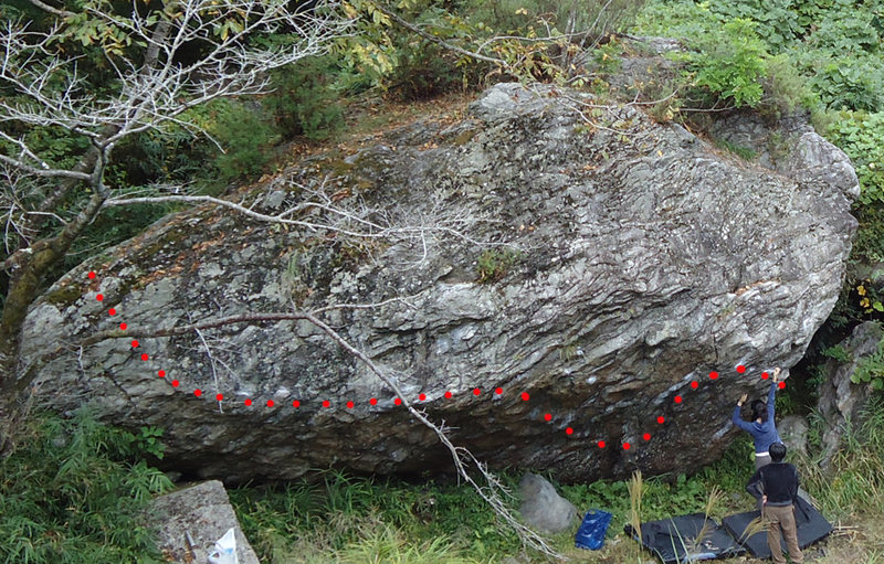 Rock Climbing Photo: Unose traverse 2D