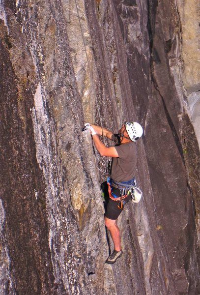 The hand traverse from the chimney on p2 of Lovin Arms.