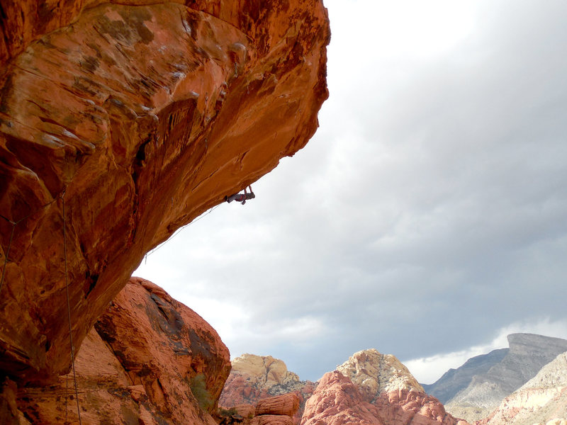 A climber nearly flashing Hotline.
