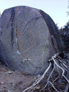 Rock Climbing Photo: Cresent Boulder Topo