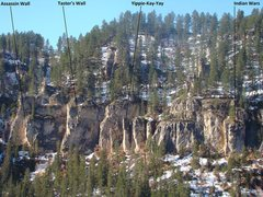 Rock Climbing Photo: The areas found on the right-hand most side of Moh...