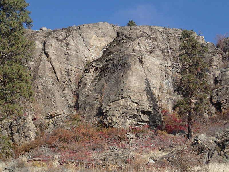 Rock Climbing Photo: The Nose (low angled promontory on the right) from...