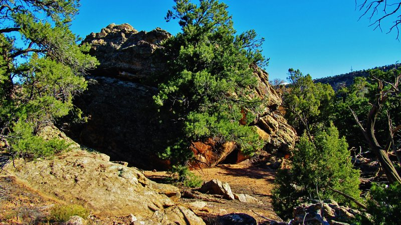 Rock Climbing Photo: Ruin Rock's south and west faces.  Tough getting a...